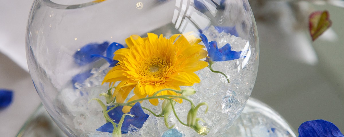 an artistic focus shot of a wedding table center piece